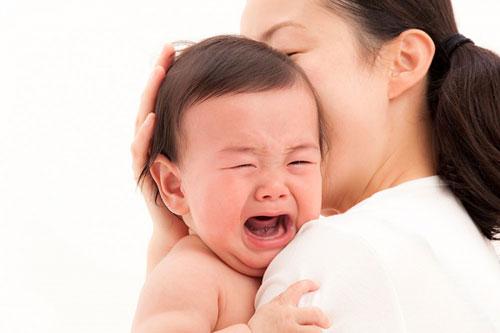Cách xử lý khi trẻ bị nôn
